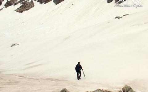 CHANDERNAHAN PEAK SNOW TREK